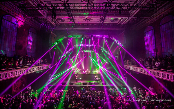 STS9-20131229-137