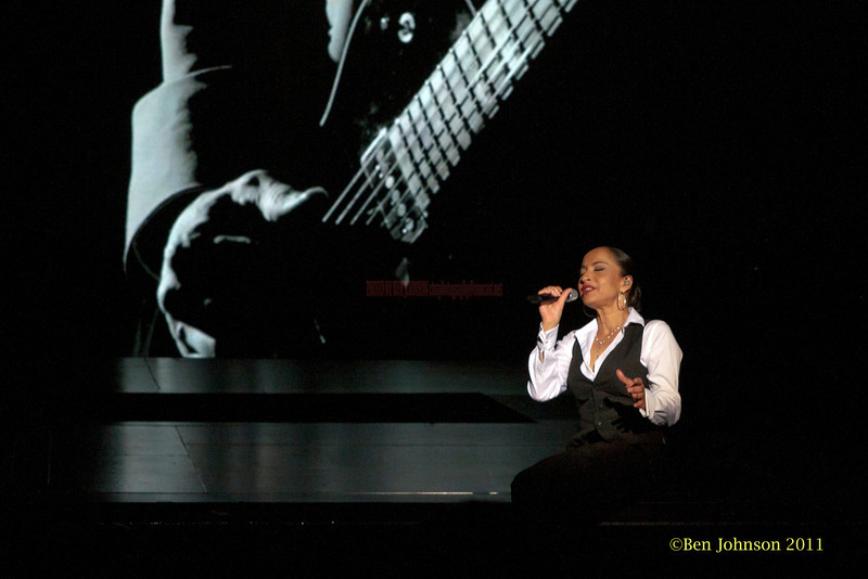 Sade photo - The Sade Tour 2011 appearing at The Wells Fargo Center in Philadelphia, PA June 19, 2011.