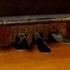 Soft, harpsichord & sustain pedals.