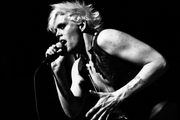 Semi Precious Weapons - The R Bar, NYC - February 28th, 2008 - Pic 3