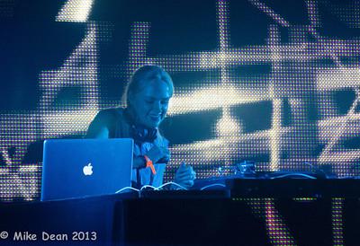 Dance Tent & DJ's-3