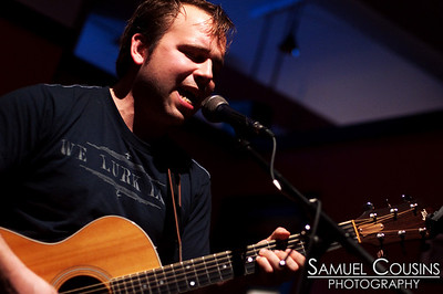 Adam Kurtz performing at Slainte