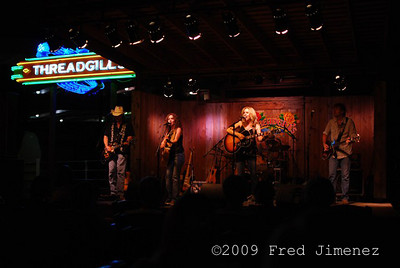 Sisters Morales at Threadgills Austin TX
