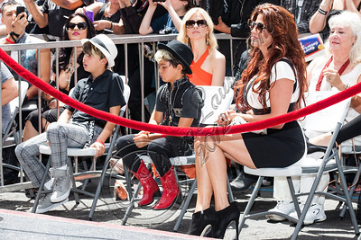 HOLLYWOOD, CA - JULY 10:  (L-R) London Hudson, Cash Hudson and Perla Hudson attend guitarist Slash's Hollywood Walk of Fame ceremony on July 10, 2012 in Hollywood, California.  (Photo by Chelsea Lauren/WireImage)