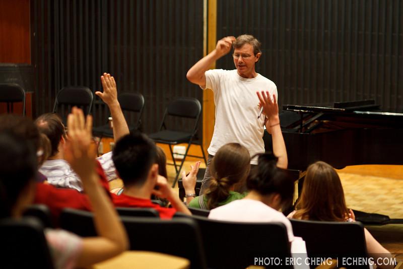 Rob Kapilow gives a lecture (SLSQ Summer Chamber Music Seminar 2010)