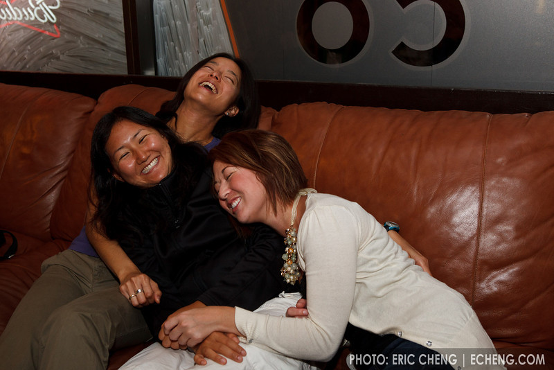 Ivy, Julie and Jessica enjoy a laugh (SLSQ Summer Chamber Music Seminar 2010)