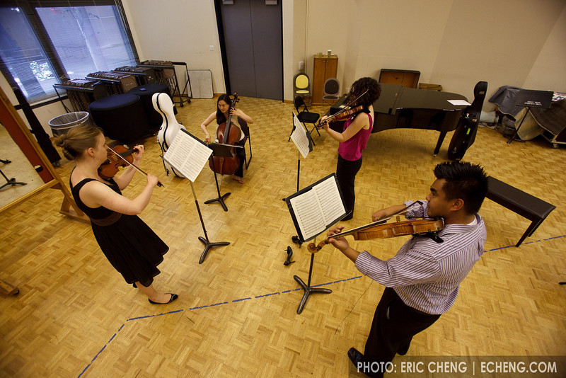 Pre-concert warmup: Arneis Quartet. Heather Braun, Rose Drucker, Daniel Doña, Agnes Kim (SLSQ Summer Chamber Music Seminar 2010)
