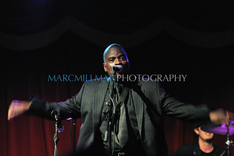 Maceo moves the crowd<br /> Soul II Soul: A Benefit for Haiti One Year Later (BK Bowl- Tue 1/18/11)