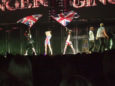 Who Do You Think You Are - Spice Girls at the Manchester Evening News Arena (UK). Photos from fashion designer Hasan Hejazi, see www.hasanhejazi.co.uk