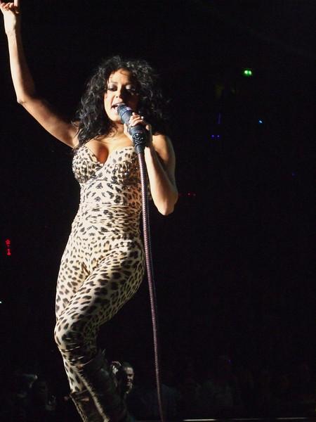 Mel B, You Wanna Go My Way - Spice Girls at the Manchester Evening News Arena (UK). Photos from fashion designer Hasan Hejazi, see www.hasanhejazi.co.uk