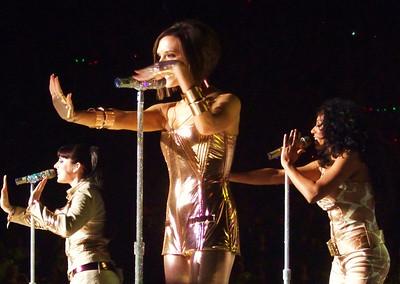 Stop - Spice Girls at the Manchester Evening News Arena (UK). Photos from fashion designer Hasan Hejazi, see www.hasanhejazi.co.uk