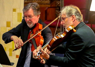 Violists James Dunham and Ivo-Jan van der Werff