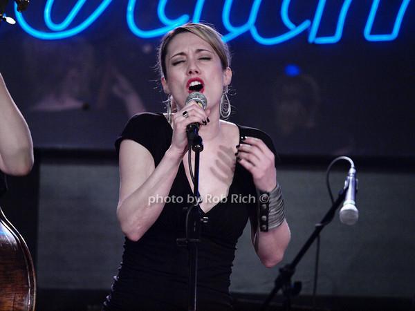guest singer<br /> photo by Rob Rich © 2010 robwayne1@aol.com 516-676-3939