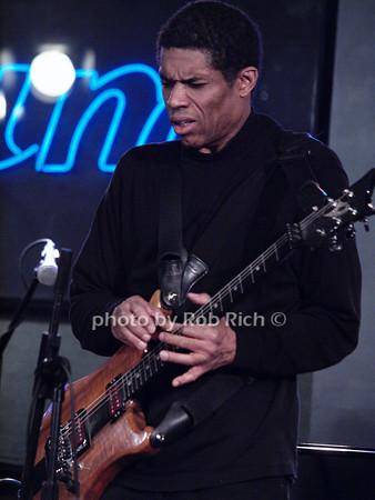 Stanley Jordan<br /> photo by Rob Rich © 2010 robwayne1@aol.com 516-676-3939