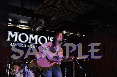 StephanieFix11Nov07Momos006