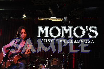 StephanieFix11Nov07Momos177