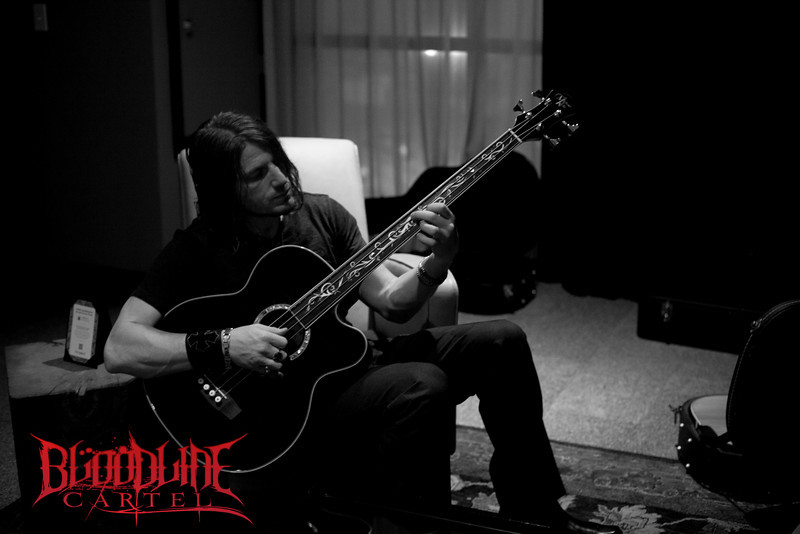 Stephen Tecci on his Fretless Michael Kelly Bass