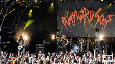 Wayward Sons play the Tommy Vance stage at Stonedeaf Festival 2019. Featuring Toby Jepson - Vocals & Guitar; Nic Wastell - Bass; Phil Martini - Drums; Sam Wood - Guitar and Dave Kemp - Keyboards.
