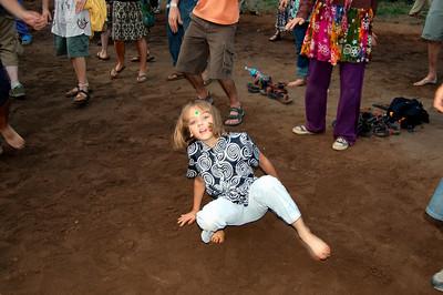 lil-breakdancer-groovin