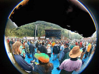 solarized-kdub-crowd78