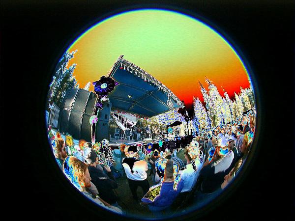 flecktones-crowd-solarized43