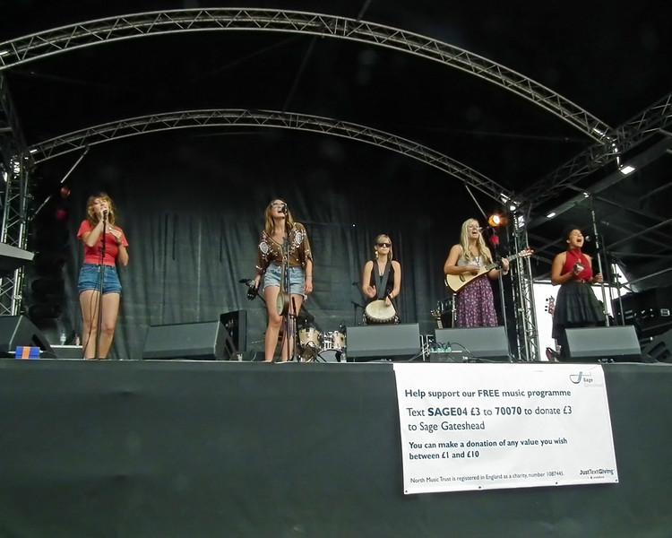 The Rainbow Girls at SummerTyne Americana Festival 2013