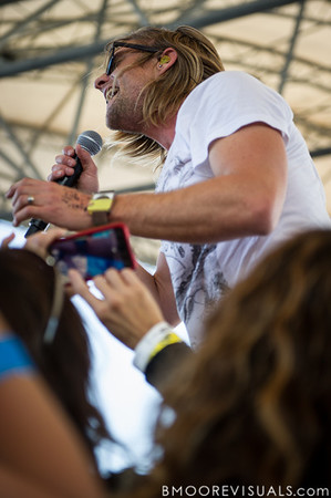 Jon Foreman of Switchfoot performs on December 5, 2010 during 97X Next Big Thing at 1-800-ASK-GARY Amphitheatre in Tampa, Florida