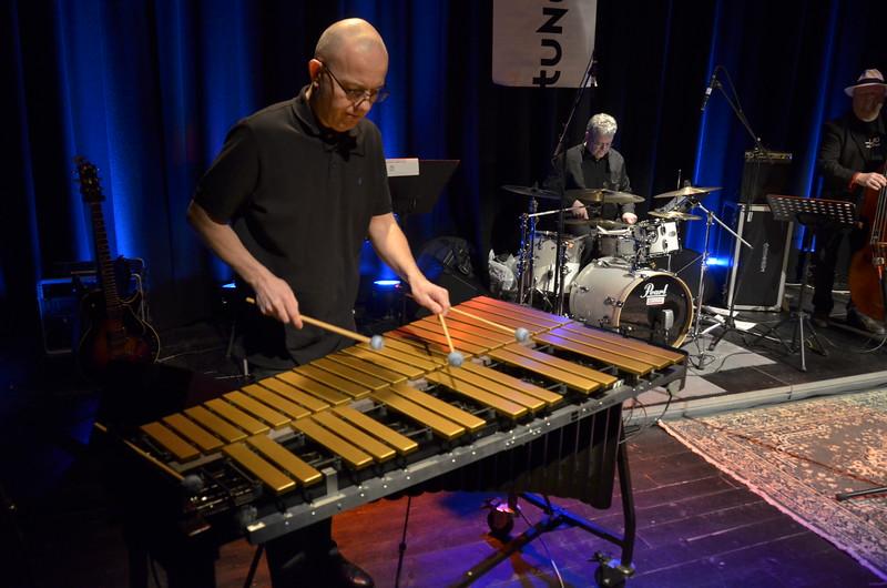 BONZO BAND & VENNER   /   Gjøvik Kulturhus  24/01/2013     --- Foto: Jonny Isaksen