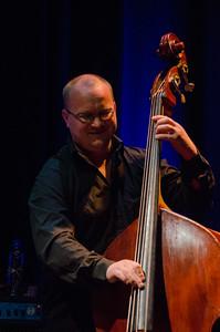 Frode Berg HELGE LIEN TRIO / Gjøvik Kulturhus 14/11/2013 --- Foto: Jonny Isaksen