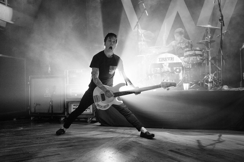 Justin Hills : Sleeping With Sirens
