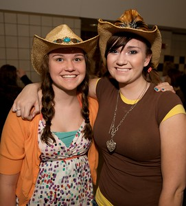 Julia and Rachelle Peters of Alexandria, KY at Taylor Swift