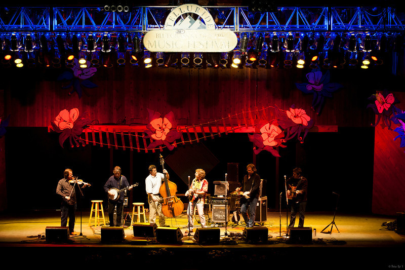 6 Telluride House Band 02