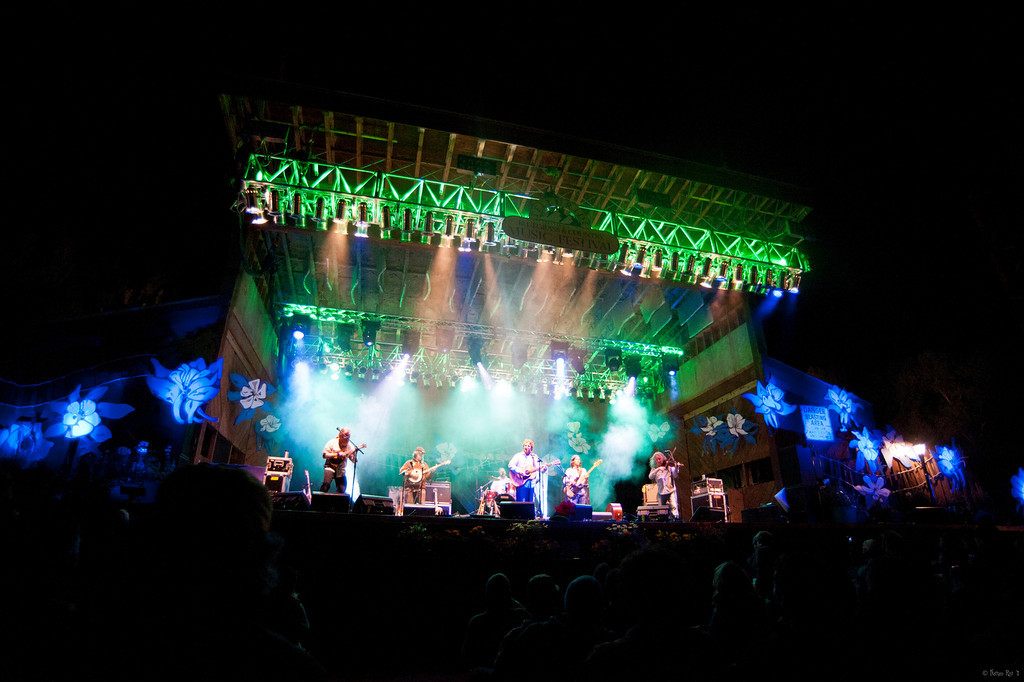 12 Railroad Earth 09