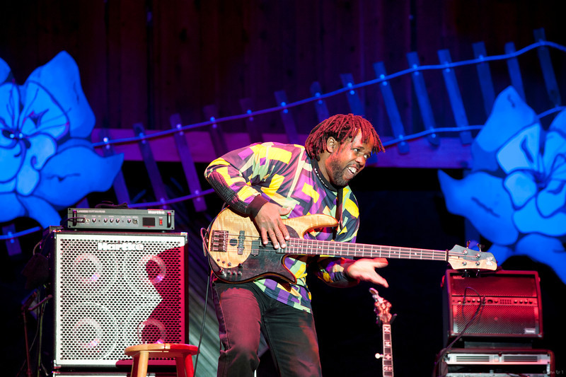 11 Bela Fleck and the Flecktones 16