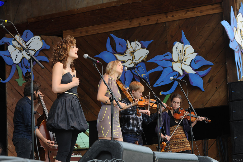 21 Abigail Washburn and the Village 23