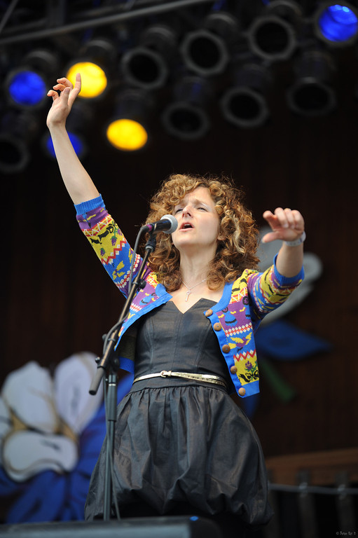 21 Abigail Washburn and the Village 11