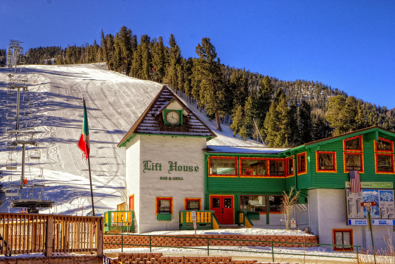 The Lift House, Red River