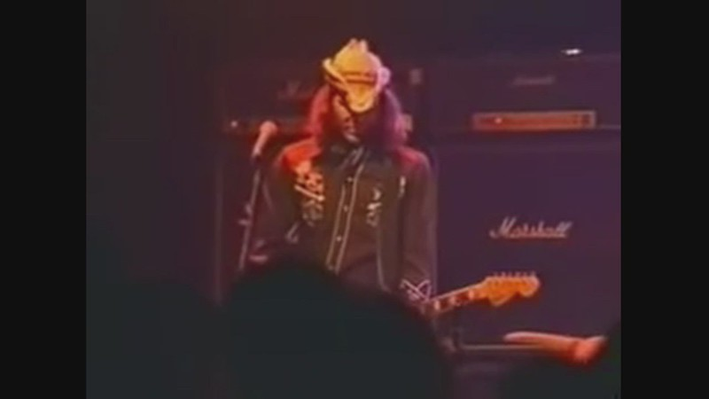 WATCH:  Lift To Experience (Live In Paris, April 2001)