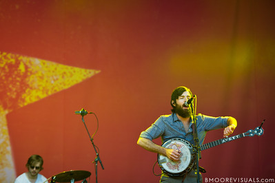 Scott Avett of The Avett Brothers performs at The Citrus Bowl in Orlando, Florida during Orlando Calling on November 12, 2011