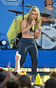 """The Band Perry Perform on """"Good Morning America"""""""