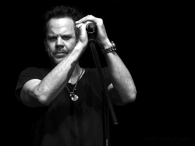 Gary Allan ~ black and white
