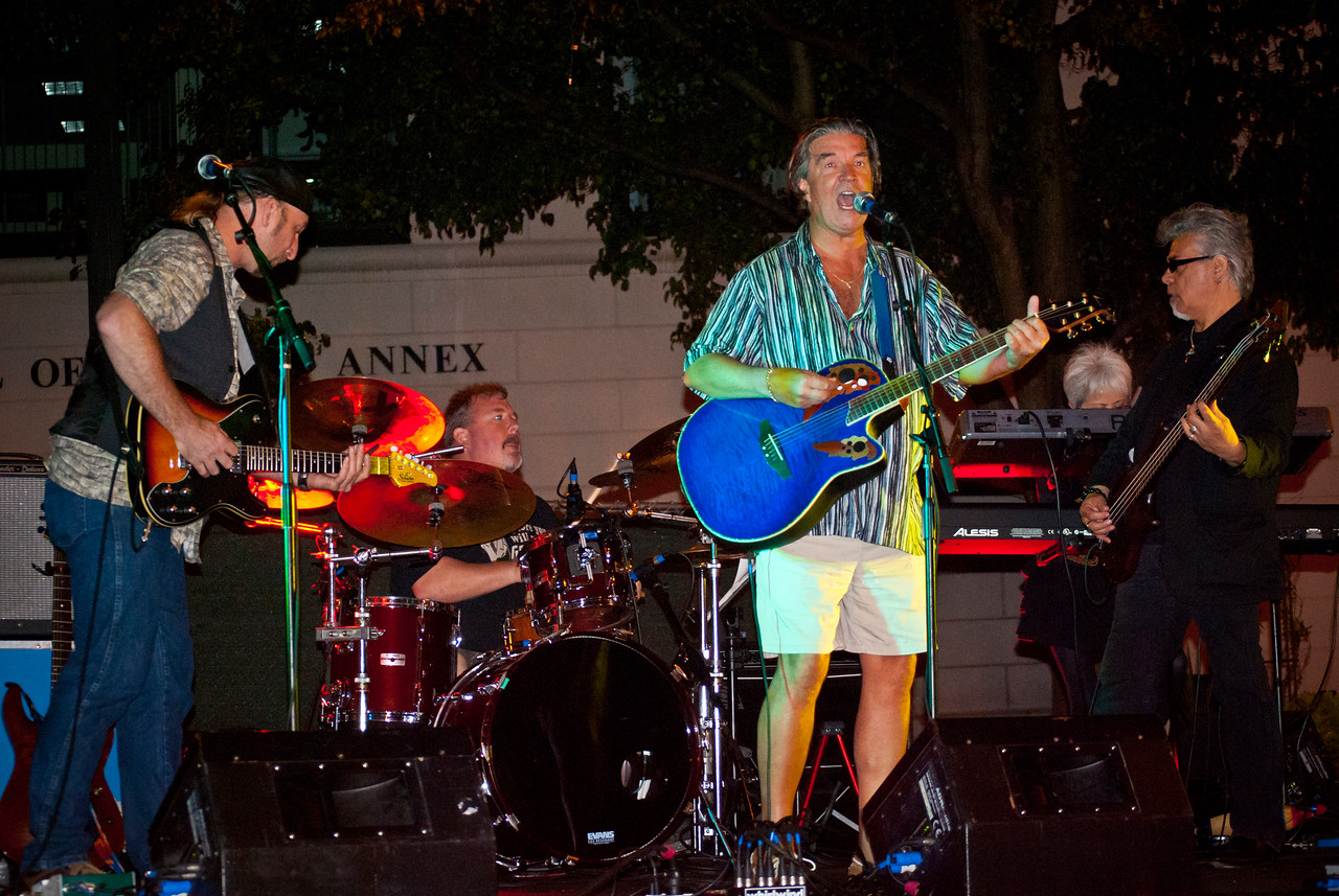 Former Hollies and Rock and Roll Hall of Fame member Terry Sylvester at the 2011 Freehold legends of Rock Series with The Cryers.