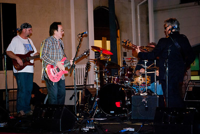 Wings co founder, original Moody Blues vocalist and great guitarist Denny Laine. Denny appeared here with the Cryers at the 2011 Freehold legends of Rock series.