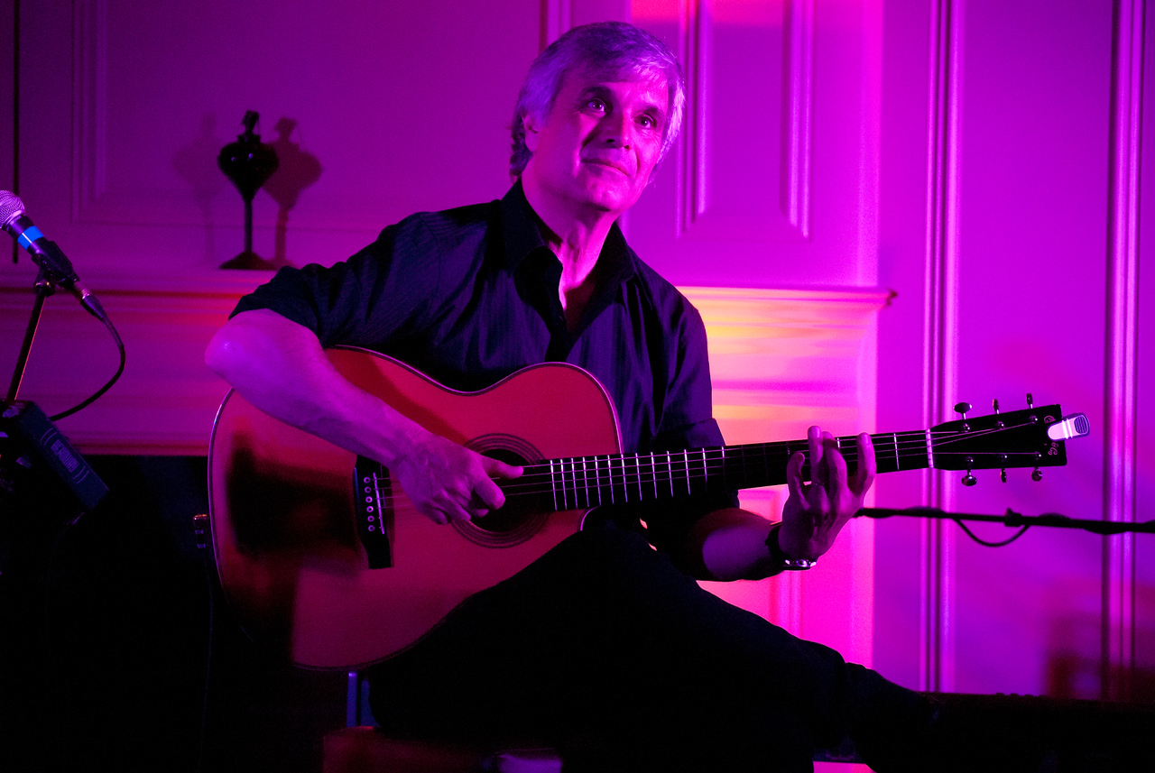 Laurence Juber ex Wings and guitar virtuoso live at The American Hotel in Freehold, June 2011.