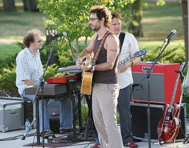 The Honeydogs (July 2006)