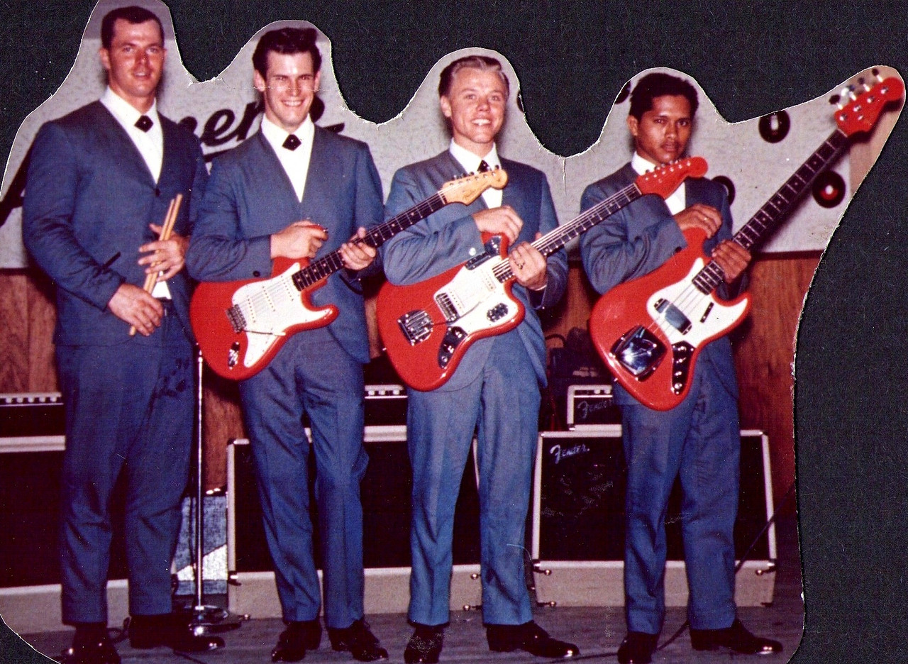<font size=3><font color=red><font size=3>band name<br><font color=white>The Hawaiian Shadows<br> <br><font size=2><font color=white> Roy Jones, Rick Stock, Lee Henriksen and Jet Kanani, 1963/4