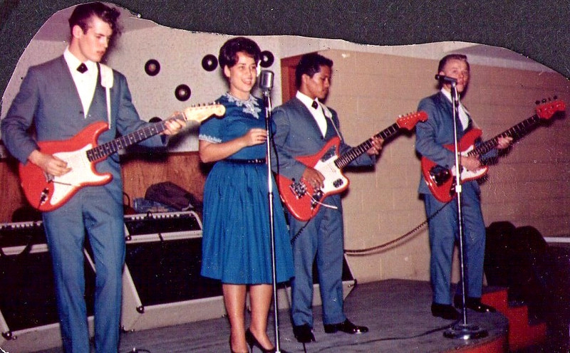 <font size=3><font color=white><font color=red><font size=3>band name<br><font color=white>The Hawaiian Shadows<br> <br><font size=2> Rick Stock, Sandy Windham, Jet Kanani and Lee Henriksen, 1963/4