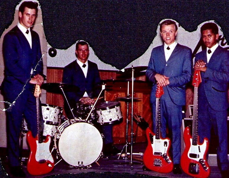 <font size=3><font color=white><font color=red><font size=3>band name<br><font color=white>The Hawaiian Shadows<br> <br><font size=2> Rick Stock, Roy Jones, Lee Henriksen and Jet Kanani, 1963/4