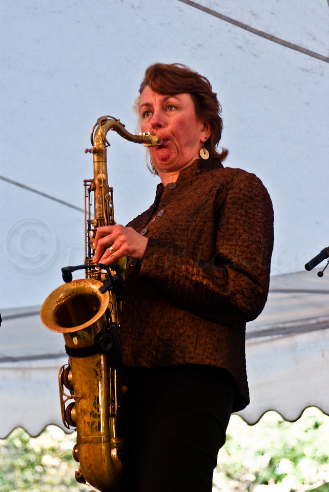 Myanna and more great sax.