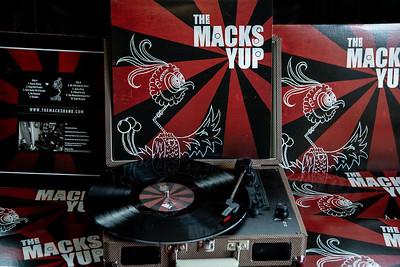 THE MACKS Yup vinyl-2